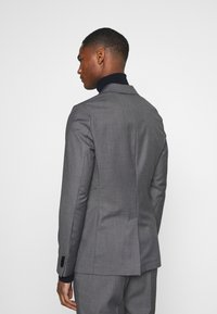 Isaac Dewhirst - UNSTRUCTURED DRAWCORD  - Completo - grey - 3
