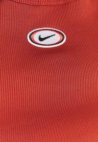 Nike Sportswear - TANK CROP - Topper - firewood orange - 2