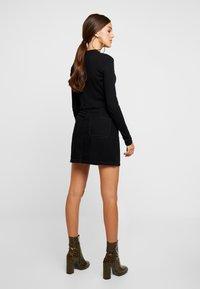 Hollister Co. - BLACK SKIRT - Denimová sukně - black - 2