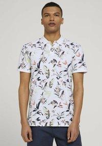 TOM TAILOR DENIM - Polo shirt - white abstract flower print - 0