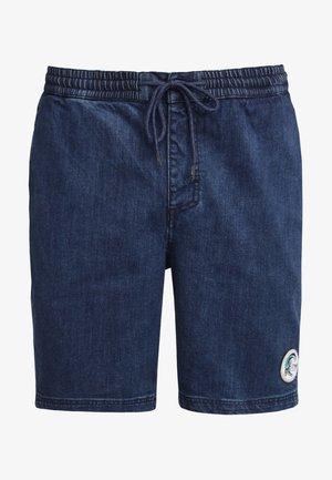 CLAREMONT  - Jeansshort - blau