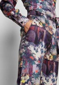 Missguided - FLORAL TROUSERS - Pantalones - purple - 4