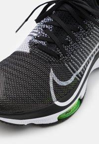 Nike Performance - AIR ZOOM PEGASUS TURBO UNISEX - Juoksukenkä/neutraalit - black/white/volt - 5