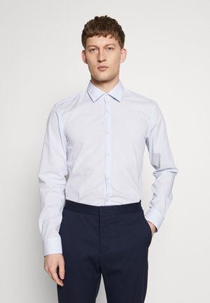 KOEY SLIM FIT - Formal shirt - light pastel blue