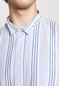 Henrik Vibskov - TAPE SHIRT - Shirt - light blue/white - 6