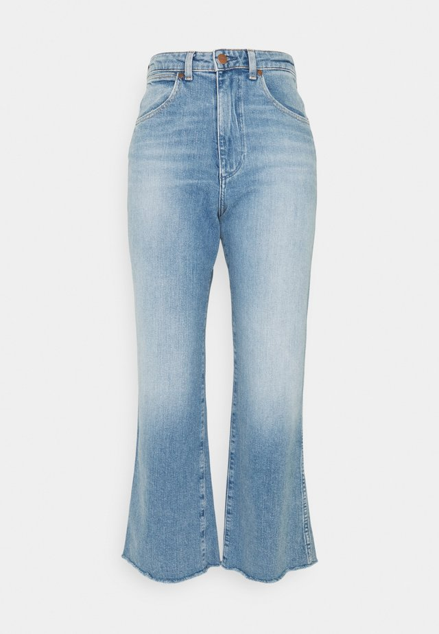 MOM KICK FLARE - Flared Jeans - sunkiss