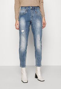 Herrlicher - SHYRA CROPPED STRETCH - Relaxed fit jeans - blend destroy - 0