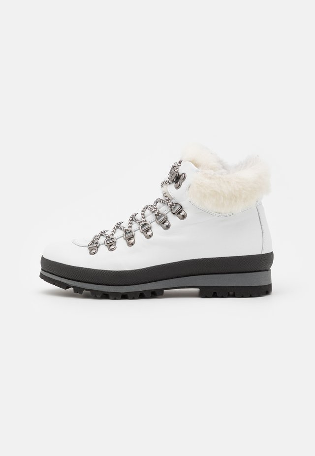 ST. ANTON  - Lace-up ankle boots - white