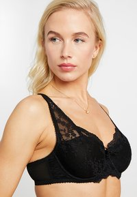 Pour Moi - FLORA LIGHTLY PADDED BRA - Underwired bra - black - 4