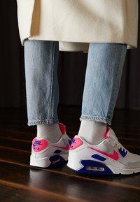 Nike Sportswear - AIR MAX 90 - Sneakers laag - white/hyper pink/concord/pure platinum/black - 2