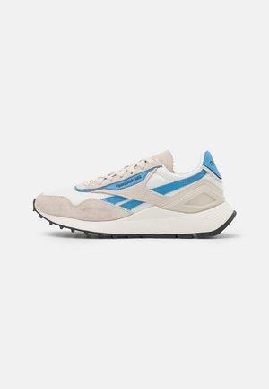 CL LEGACY AZ - Sneakersy niskie - stucco/essential blue/chalk