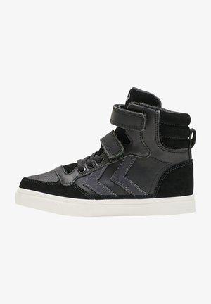 STADIL OILED HIGH JR - Skate shoes - black