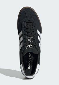 adidas Originals - JEANS TERRACE ORIGINALS SNEAKERS SHOES - Matalavartiset tennarit - black - 3