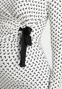 Envie de Fraise - SISSY - Topper langermet - off white/black - 4