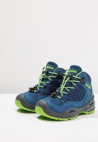 Lowa - ROBIN GTX - Walking boots - blau/limone - 3