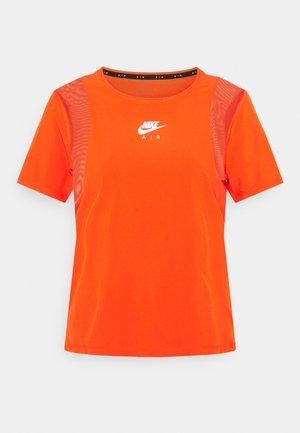 AIR - T-shirts med print - team orange/reflective silver