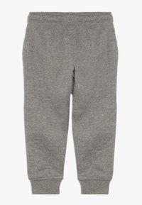 Nike Sportswear - CLUB CUFF PANT - Verryttelyhousut - carbon heather - 1