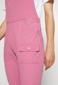 Burton - WOMENS CHASEVIEW OVERALL - Outdoor trousers - rosebud - 3