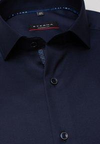 Eterna - MODERN FIT - Zakelijk overhemd - marine - 4