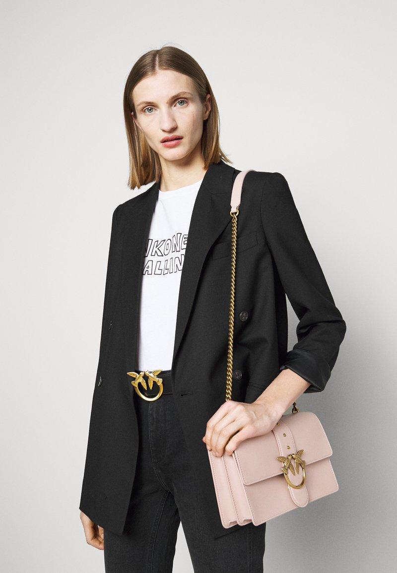 Pinko - LOVE CLASSIC ICON SIMPLY SETA ANTIQU - Across body bag - cipria