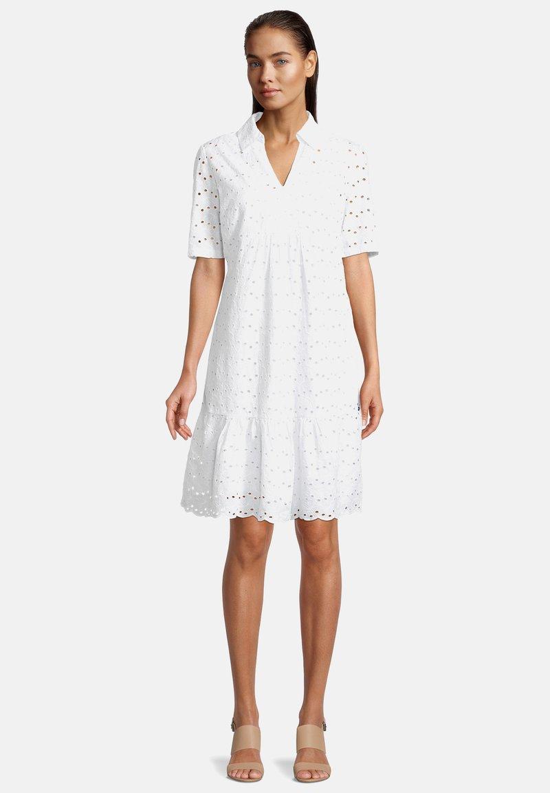 Betty & Co - Day dress - weiß
