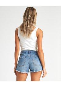 Billabong - Denim shorts - indigo rinse - 1