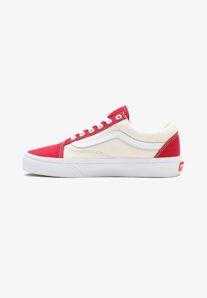 OLD SKOOL - Sneakers - (classcsprt)chlpprclscwht