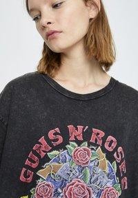 PULL&BEAR - T-shirt print - mottled dark grey - 4