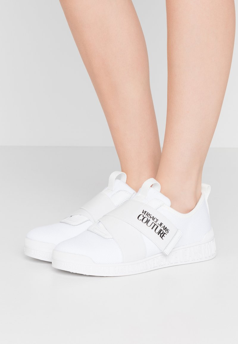 Versace Jeans Couture - LINEA FONDO PENNY - Matalavartiset tennarit - bianco ottico