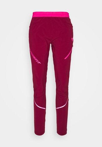 TRANSALPER HYBRID - Pantaloni - beet red