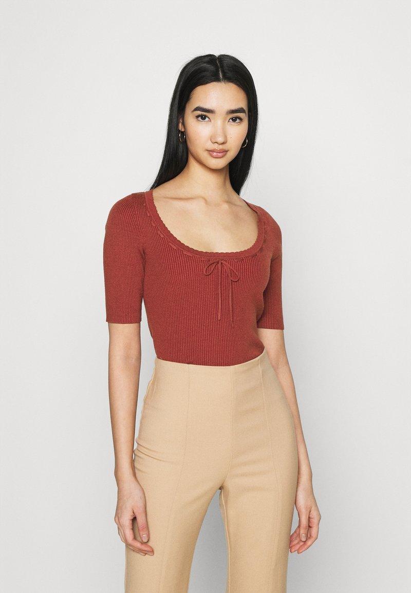 Fashion Union - LANDON - T-shirt basique - red