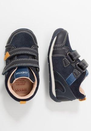 EACH BOY - Baby shoes - dark navy