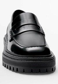 Massimo Dutti - Półbuty wsuwane - black - 5