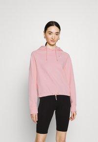 Fila - ELAXI CROPPED HOODY - Sweatshirt - coral blush - 0