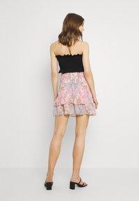 ONLY - ONLALLY SMOCK LAYERED SKIRT - Mini skirt - sugar coral/desert - 2
