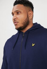 Lyle & Scott - ZIP THROUGH HOODIE - Huvtröja med dragkedja - navy