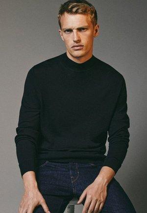 MIT GERIPPTEM STEHKRAGEN - Sweatshirt - black