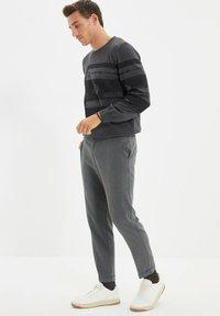 Trendyol - PARENT - Pantalon classique - grey - 3