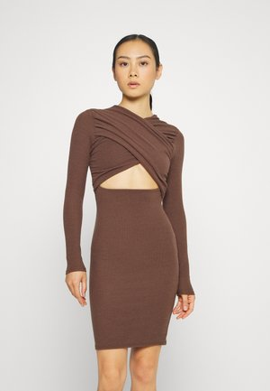 CROSS FRONT RUCHED MINI DRESS - Robe fourreau - brown