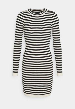 PCCRISTA LS O NECK NOOS BC - Shift dress - black/birch