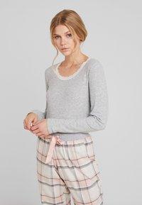 Hunkemöller - Nattøj trøjer - warm grey melange - 0