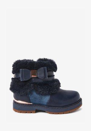 FAUX FUR BOW  - Winter boots - dark blue