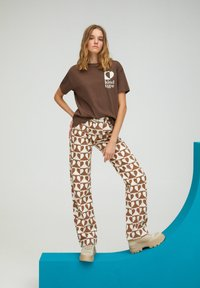PULL&BEAR - Straight leg jeans - brown - 5