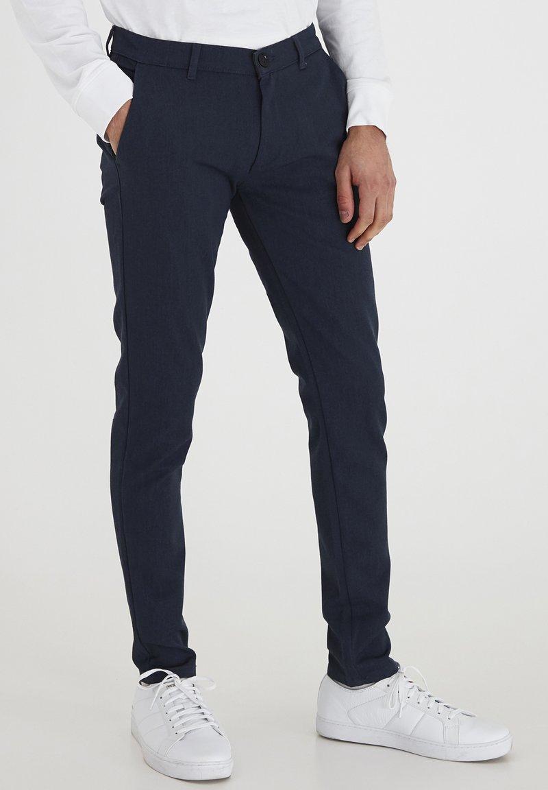 Tailored Originals - TOFREDERIC - Chino - ombre blu