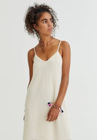 PULL&BEAR - Denní šaty - mottled beige - 2