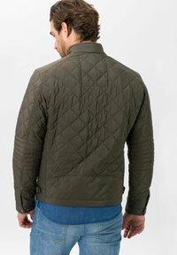 BRAX - STYLE BRUCE  - Light jacket - olive - 2