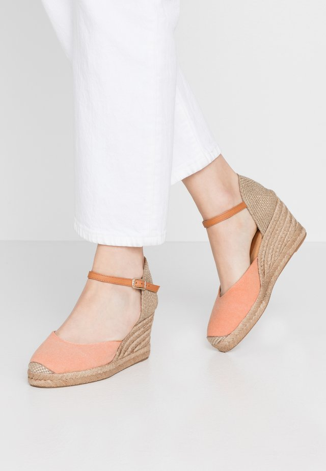 CACERES - Loafers - orange