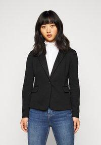 Vero Moda Petite - VMJULIA - Blazer - black - 0