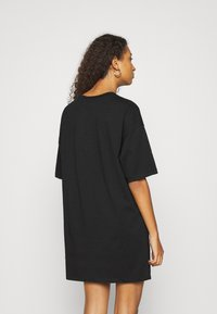 Even&Odd - Basic oversized T-Shirt Dress - Sukienka z dżerseju - black/ pink - 2