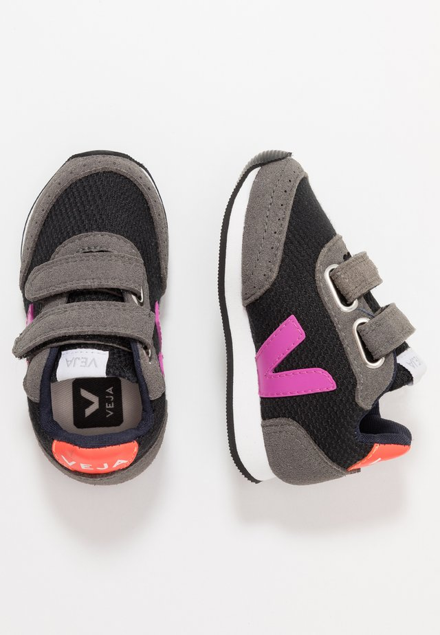 SMALL NEW ARCADE - Trainers - black/ultraviolet/orange fluo